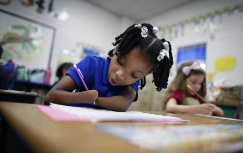 Anaya Ellick a First-Grader Born Without Hands, Wins National Handwriting Contest