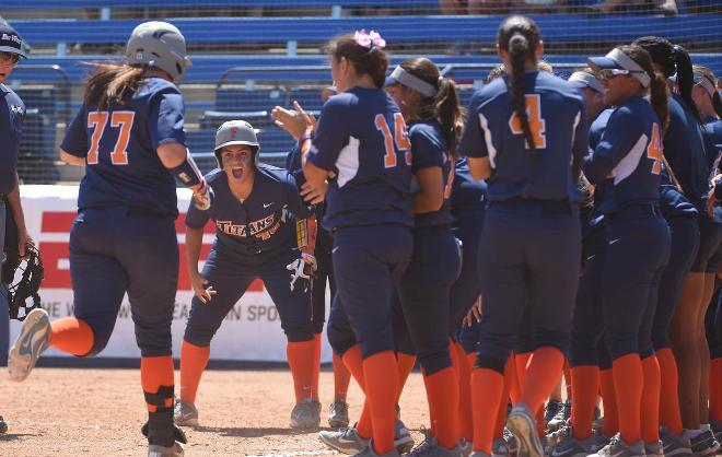 CSUF+women%27s+softball+celebrates+another+win.