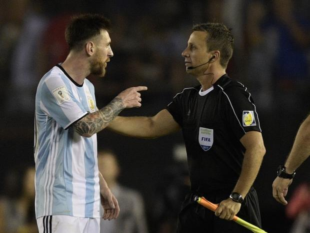 Lionel+Messi+Banned+After+Insulting+an+Assistant+Referee