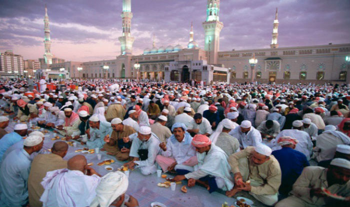 People in Mecca breaking their fast.