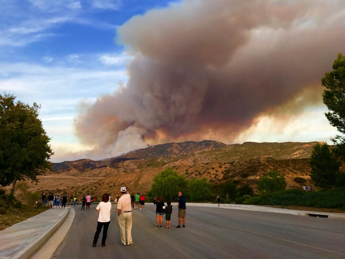 Hundreds Evacuate As Brush Fire Makes Way To Corona