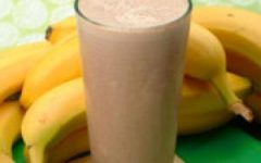 Ditch the Protein Bar and the Power Shake and Grab a Banana and Chocolate Milk Instead