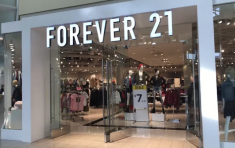 "Fast Fashion Powerhouse ""Forever 21"" Files for Chapter 11 Bankruptcy"